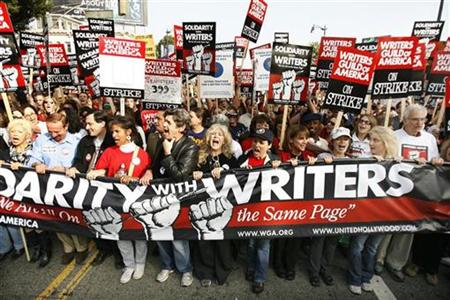writers-strike-solidairty