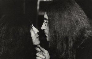 yoko-ono-and-john-lennon-by-tom-blau